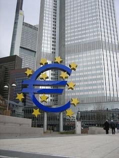 Devant la Banque centrale européenne, à Francfort.dasroofless/Flickr,CC BY-NC-ND