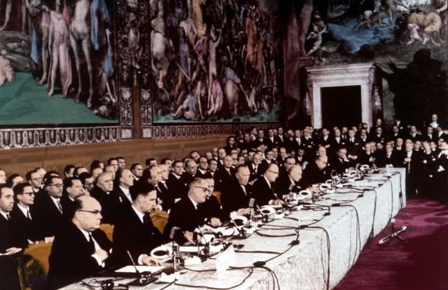 Signature du Traité de Rome, le 25 mars 1957. Ignoto/Wikimedia